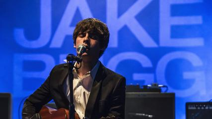 News video: Jake Bugg Thinks 'American Idol' Wrecks Kids' Dreams